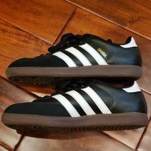 adidas Shoes - Adidas shoes. Samba classic soccer shoes.